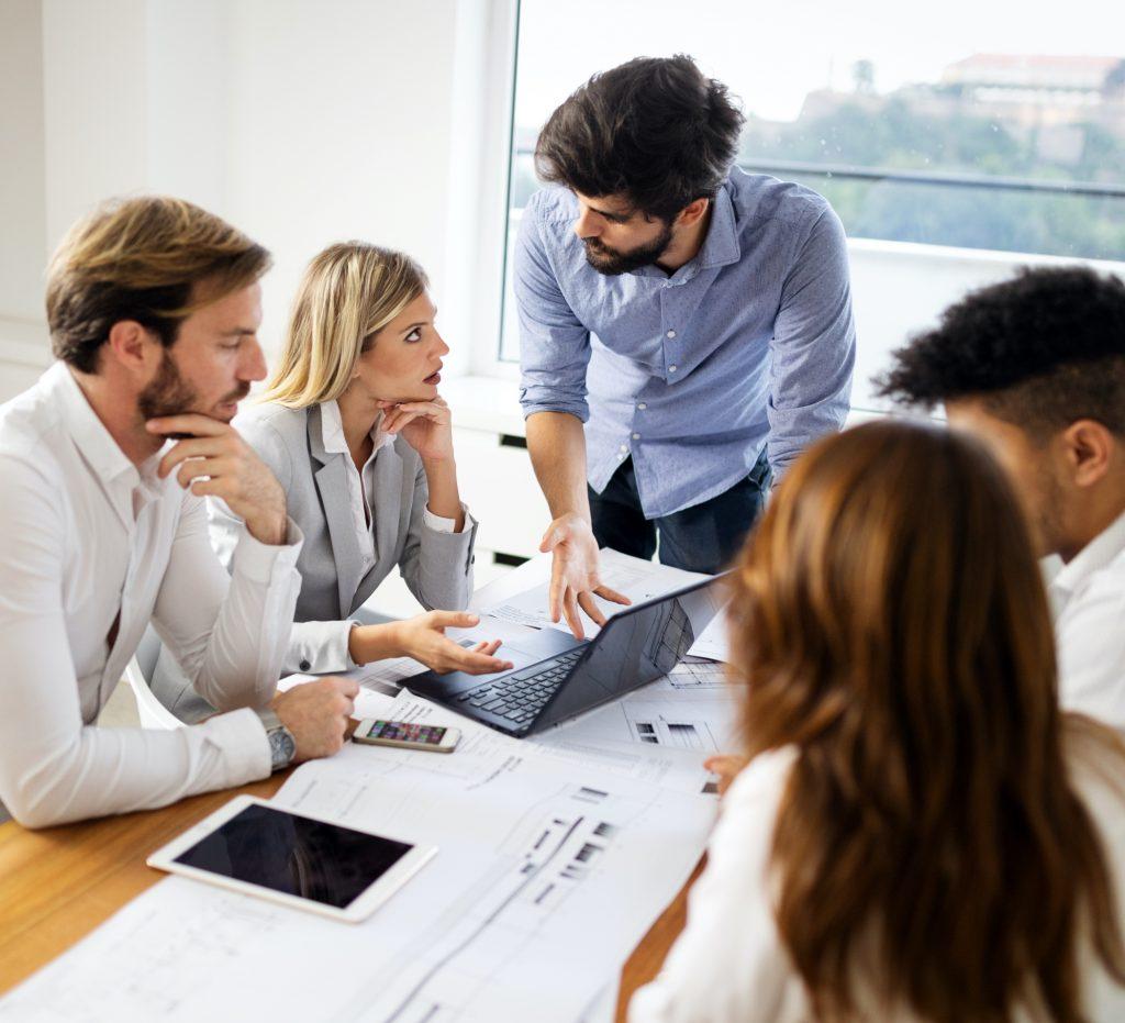 Team Xplore Group in brainstorm